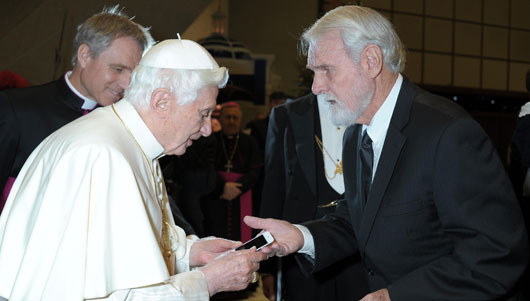 Pope Benedict XVI Receiving iPod
